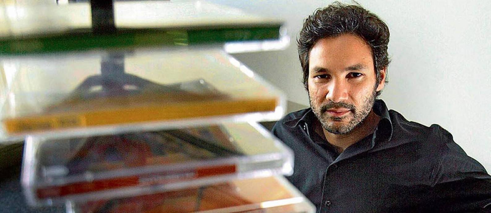 Alexandre Schiavo começou como estagiário e chegou à vice-presidência da gravadora Sony Foto: Mônica Imbuzeiro / Agência O Globo