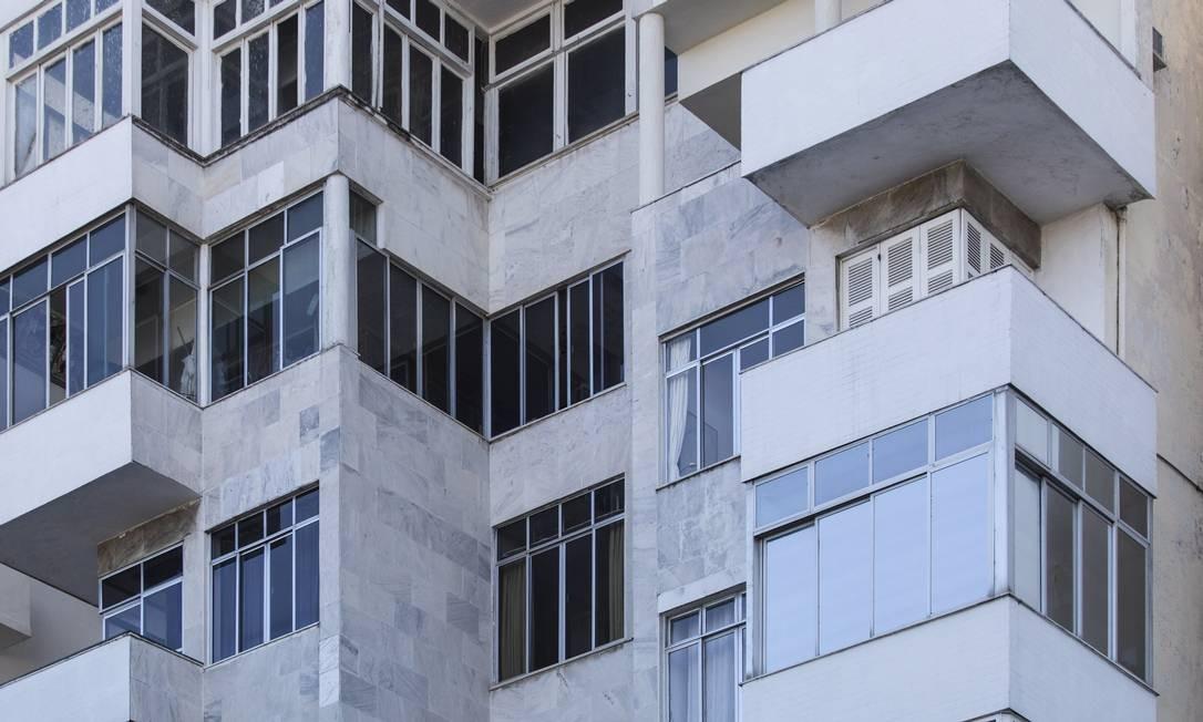 Varandas. O fechamento também foi incluído nos programas. O cálculo tem por base metragem e IPTU Foto: Leo Martins / Agência O Globo