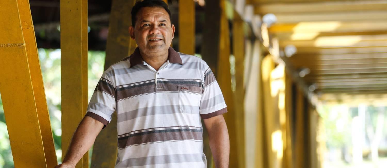José Pinheiro Junior, agente de endemias no estado do Amazonas, pegou malária 12 vezes Foto: Divulgação/Marcio Melo