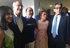Geraldo Alckmin posa com Roberto Jefferson e Cristiane Brasil em convenção do PTB Foto: Bela Megale