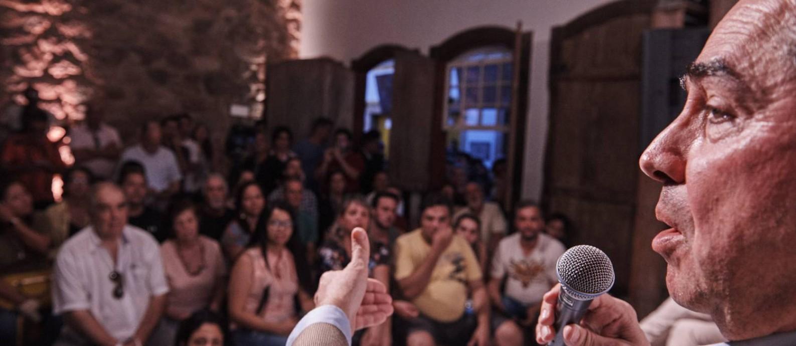 O ministro Luís Roberto Barroso falou para o público da Casa ÉPOCA & Vogue Foto: Foto: Marcelo Saraiva