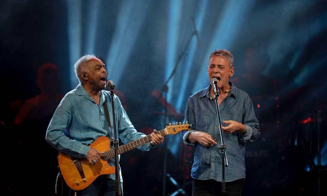 Gilberto Gil e Chico Buarque cantaram 'Cálice' na Lapa Foto: MAURO PIMENTEL / AFP