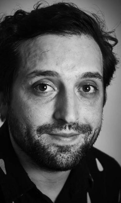 """Gregorio Duvivier, escritor e humorista, no """"Tudo o que é belo: histórias reais contadas ao vivo"""" Marcelo Saraiva"""