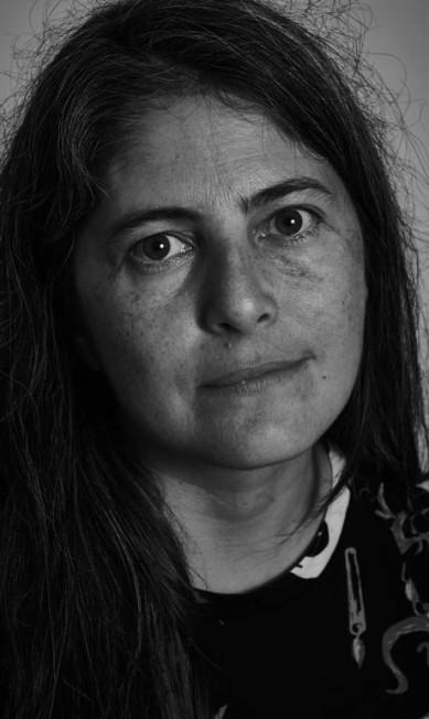 """Selva Almada, escritora, na mesa """"Sobre a maldade"""" Marcelo Saraiva"""