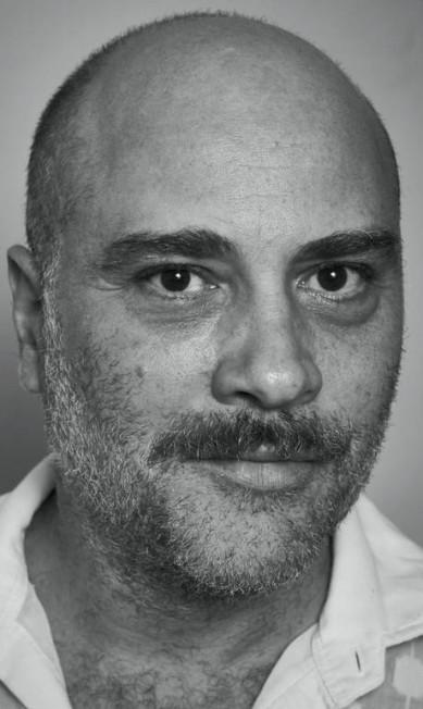 """Paulo Tiefenthaler, ator, no """"Tudo o que é belo: histórias reais contadas ao vivo"""" Marcelo Saraiva"""