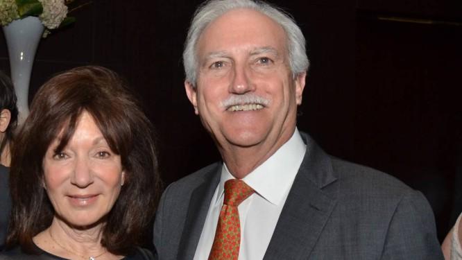 Jackie e Mike Bezos, pais do fundador da Amazon, Jeff Foto: Amanda Gordon / Bloomberg