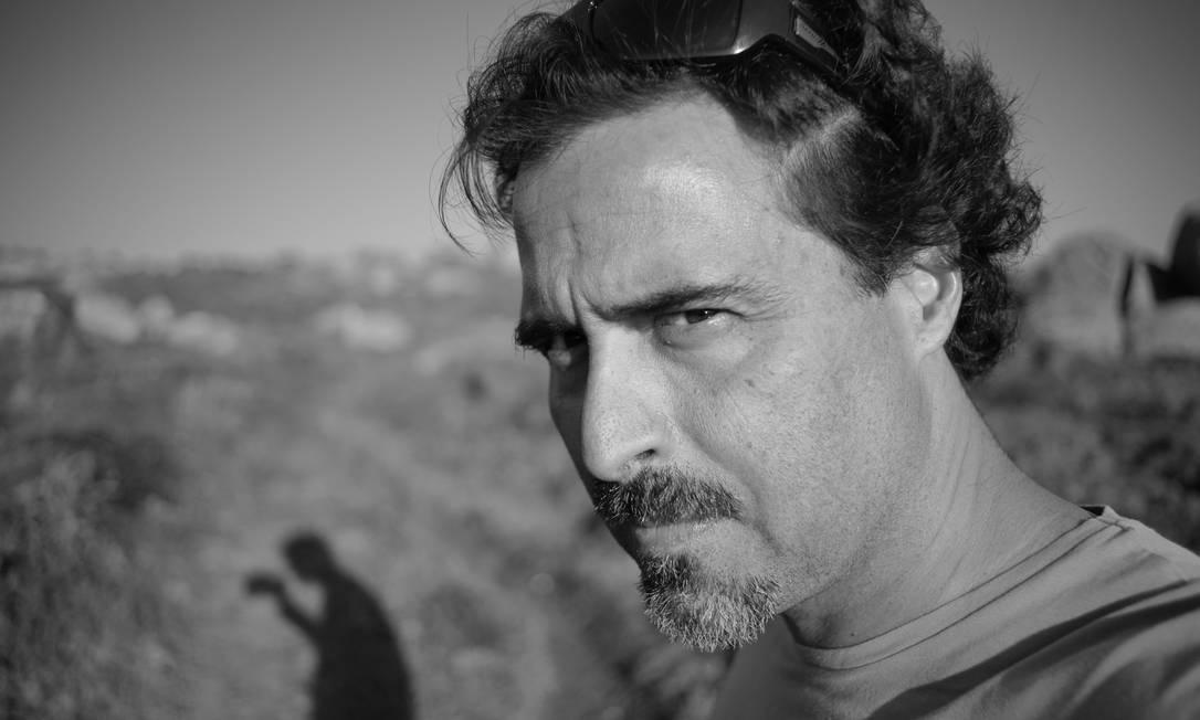 Autorretrato do escritor José Eduardo Agualusa em Lubango, no sul de Angola, seu país natal Foto: / José Eduardo Agualusa/Divulgação