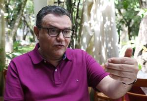 O presidente nacional do PSB, Carlos Siqueira, durante entrevista Foto: Givaldo Barbosa/Agência O Globo/28-01-2018