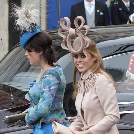 Princesas Eugenie (à esquerda) e Beatrice no casamento de William e Kate, em 2011 Foto: Chris Jackson / Getty Images