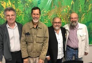 Dirigentes do PV e da Rede reunidos nesta quinta-feira em São Paulo Foto: Divulgação