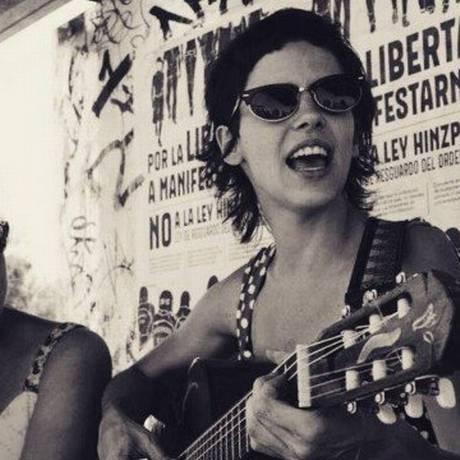 Perotá Chingó vão cantar faixas do disco 'Águas' e sucessos dos sete anos de carreira Foto: Foto: Pedro Aceituno/Reprodução/Instagram Perota Chingó