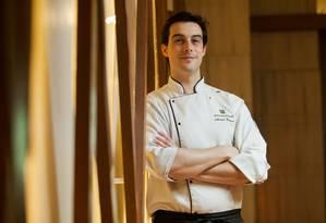 BA - O chef italiano do restaurante Quadrifoglio, no VillageMall. Foto: Gabriel Monteiro / Agência O Globo