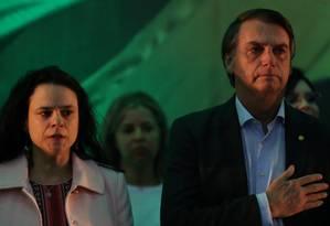 Janaína Paschoal e Jair Bolsonaro, na convenção do PSL que o oficializou como candidato Foto: Ricardo Moraes/Reuters/22-07-2018