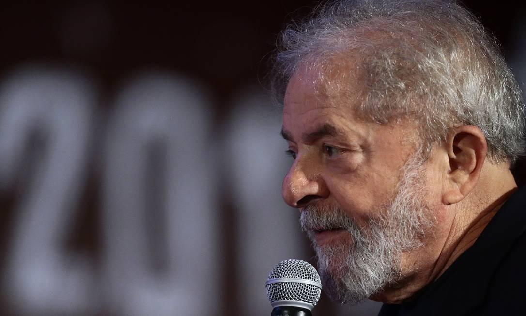 O ex-presidente Lula participa de congresso do PCdoB em Brasília Foto: Jorge William/Agência O Globo/19-11-2017