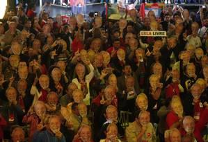 Delegados do PT durante a convenção que referendou a indicação do ex-presidente Lula como candidato à Presidência Foto: Marcos Alves / Agência O Globo