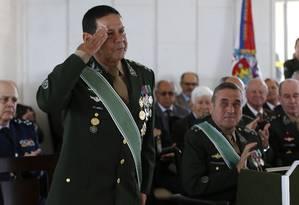 O general da reserva Hamilton Mourão (do PRTB) foi anunciado neste domingo como vice na chapa de Jair Bolsonaro (PSL) na disputa pela Presidência Foto: Michel Filho / Agência O Globo