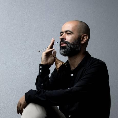 O músico Rodrigo Campos, que lança o disco