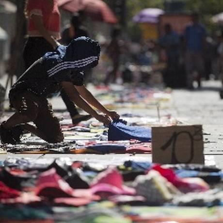 Prefeitura fará censo para identificar vendedores em situação irregular Foto: Arquivo / 11/05/2018 / Márcia Foletto/ Agência O Globo