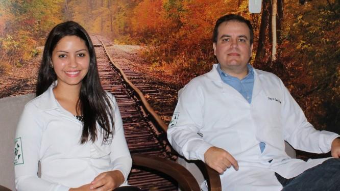 A psicóloga Bruna Serafim da Silva e o professor Daniel Bernabé estudaram a relação entre traumas na infância e problemas psicológicos após o diagnóstico de câncer Foto: Divulgação/Unesp