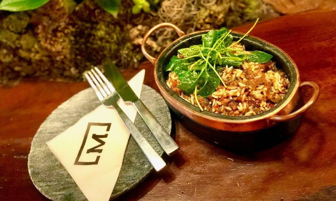 Malta Beef Club. A sugestão para dividir com o pai é o arroz caldoso de costela desfiada, com saladinha de agrião e vinagrete (R$ 140). Rua Saturnino de Brito 84, Jardim Botânico (3269-4504) Foto: Divulgação