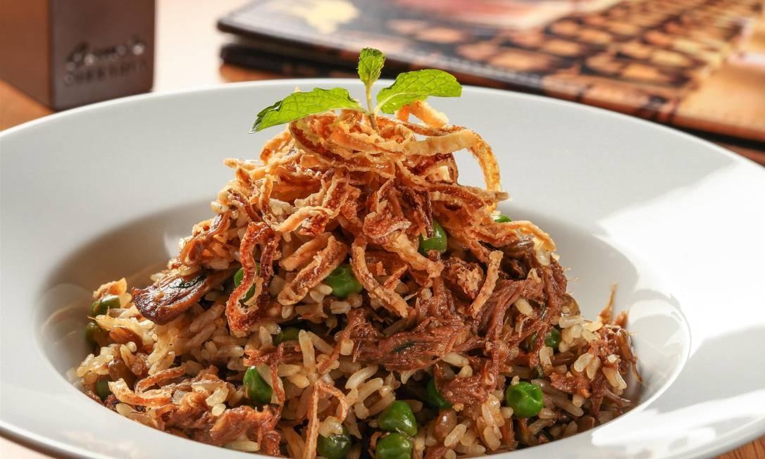Camelo. Com anos de experiência em comida árabe, o restaurante tem a paleta de cordeiro desfiada com arroz de lentilha, ervilhas e cebolas crocantes (R$ 48). Av. Henrique Dumont 57, Ipanema (2274-2303) Rogerio Resende / Divulgação