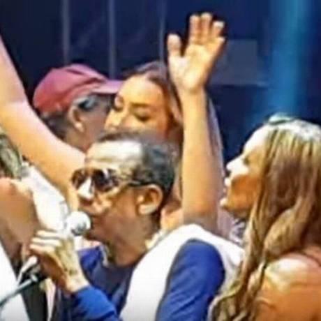 Jorge Ben Jor em show no Teatro Castro Alves, em Salvador Foto: Reprodução