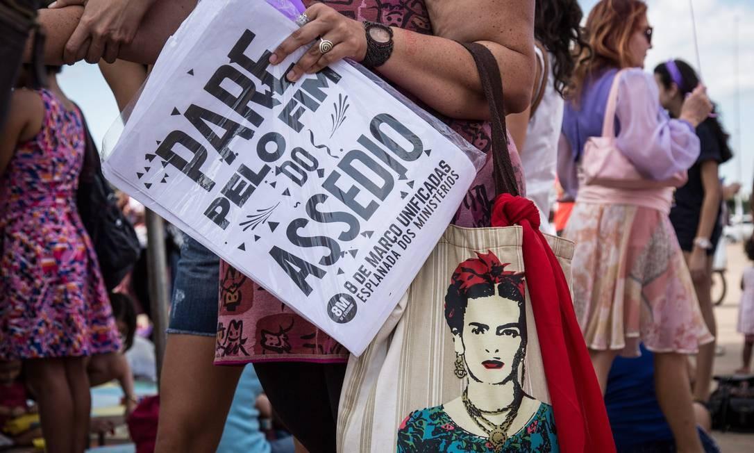 Passeata pelo Dia Internacional da Mulher, em Brasília, 2017 Foto: André Coelho / Agência O Globo
