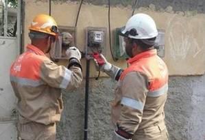 Projeto no senado determina que não pode ser cobrada taxa para religar serviços públicos como luz e água Foto: Arquivo