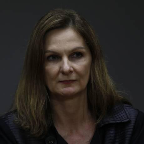 A secretária-executiva do Ministério da Fazenda, Ana Paula Vescovi, durante entrevista coletiva Foto: Michel Filho/Agência O Globo/11-04-2018