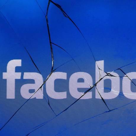 Banco italiano abandonou os serviços de publicidade do Facebook até que a rede social 'melhore seus padrões éticos', disse CEO da financeira Foto: Joel Saget / AFP