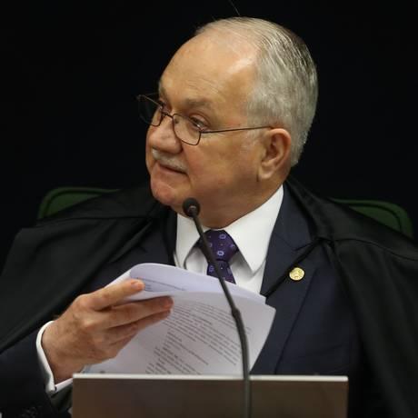 O ministro Edson Fachin, durante sessão da Segunda Turma do STF Foto: Givaldo Barbosa / Agência O Globo