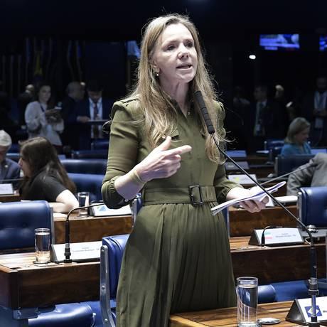 A senadora Vanessa Grazziotin (PCdoB-AM), no plenário do Senado Foto: Waldemir Barreto/Agência Senado