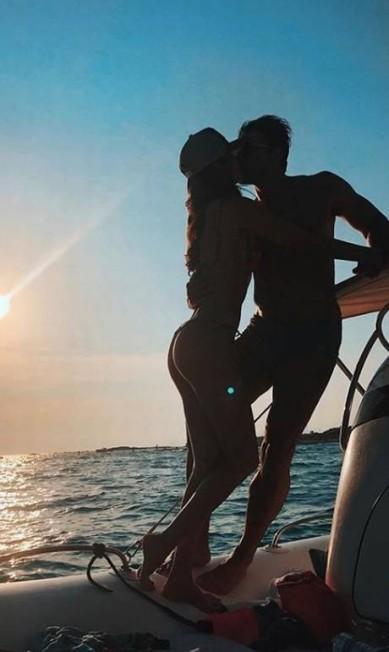 Clique romântico do casal magia do Instagram, Lucas Gil e Taty Betin Reprodução/ Instagram