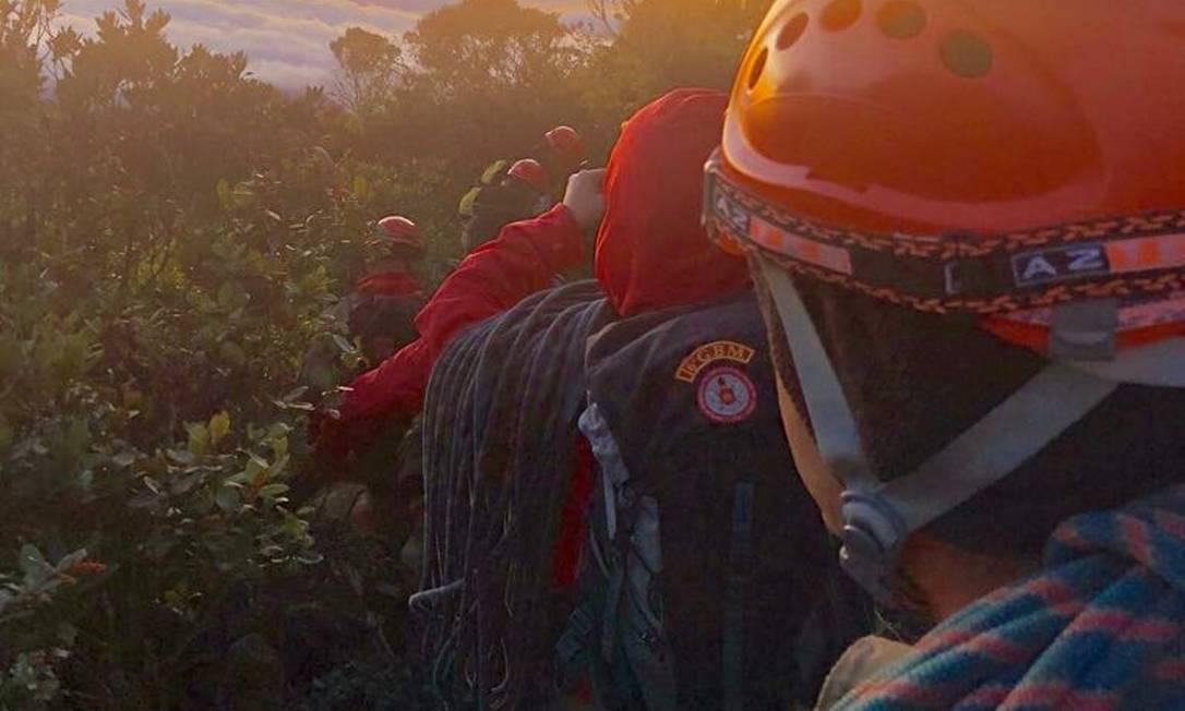 Trabalho de resgate do estudante francês que estava desaparecido na Serra dos Órgãos Foto: Divulgação