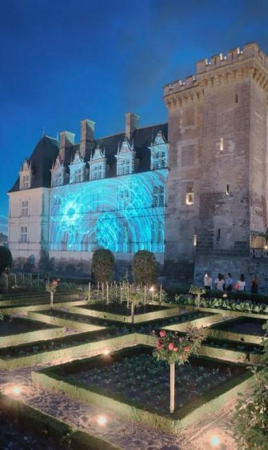 Espetáculo de luzes noturno no Castelo de Villandry Divulgação