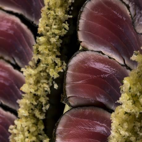 Tataki de atum, do Xian Foto: Alexander Landau / Divulgação