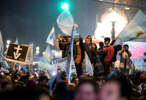 Grupos contrários ao aborto celebraram a decisão do Senado argentino Foto: AGUSTIN MARCARIAN / REUTERS