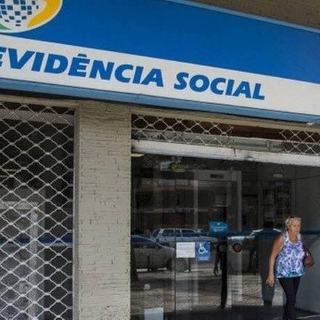 Agência do INSS: instituto é o responsável pelo pagamento do benefício Foto: Guito Moreto / Agência O Globo