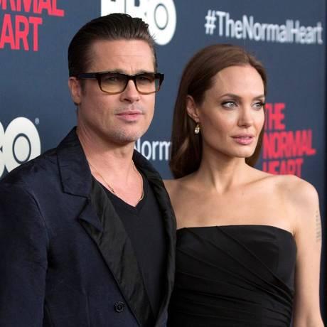 Brad Pitt e Angelina Jolie no lançamento do filme
