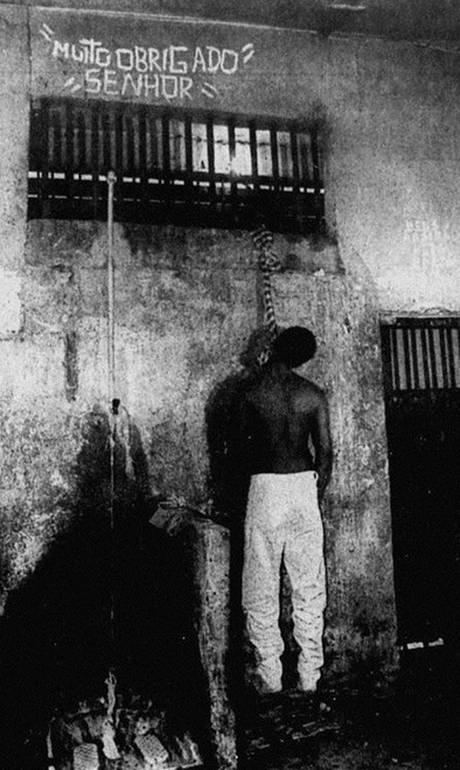 42f0a4eb52c46 Política desmistificada  Assalto sofrido por Bolsonaro em 1995 ...