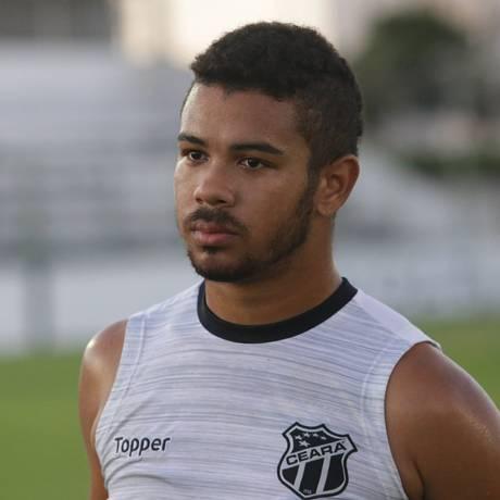 Juninho, jogador do Sport, estava emprestado ao Ceará e quase fechou acordo para jogar no Corinthians Foto: Cearasc.com/Divulgação