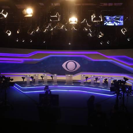 Primeiro debate de presidenciáveis realizado na TV Bandeirantes. Foto: Marcos Alves / O Globo
