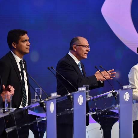 Presidenciáveis no primeiro debate Foto: NELSON ALMEIDA / AFP