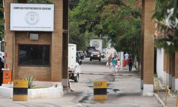 A entrada do presídio de Bangu , no Rio de Janeiro Foto: Fabiano Rocha / Extra