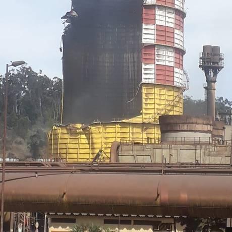 Explosão em um gasômetro da Usina de Ipatinga Foto: Reprodução twitter