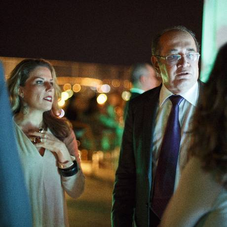A diretora de redação da Época, Daniela Pinheiro, e o ministro Gilmar Mendes, do STF Foto: Daniel Marenco / Agência O Globo