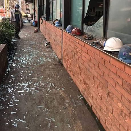 Explosão em gasômetro da Usiminas em Ipatinga (MG) deixou um rastro de destruição no entorno Foto: Reprodução Facebook