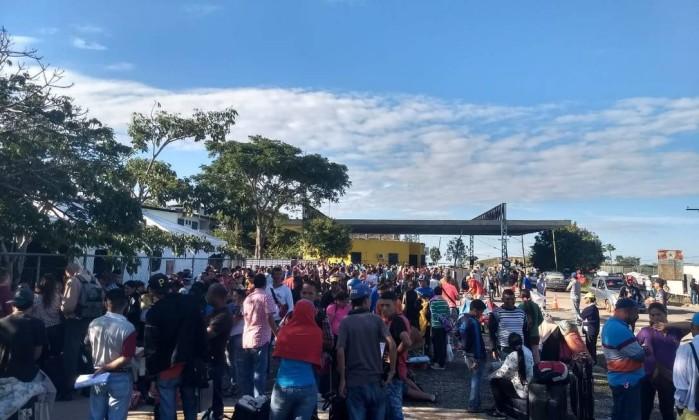 Imigrantes venezuelanos tentam ingressar no Brasil atráves de Pacaraima (RR) Foto: Reprodução