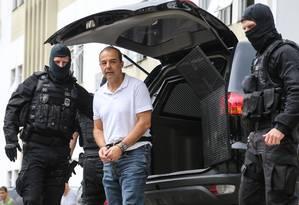 O ex-governador do Rio Sérgio Cabral na ocasião em que realizou exame de corpo delito no IML, em Curitiba (PR) Foto: Geraldo Bubniak / Agência O Globo/19-01-2018