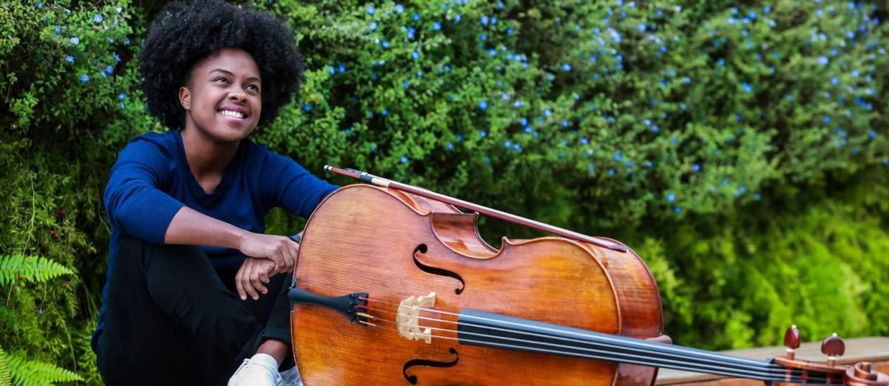A violoncelista Kely Pinheiro, atração do Rio International Cello Encounter Foto: Marcelo Regua / Agência O Globo